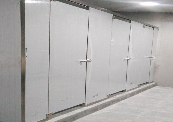 地铁铝蜂窝卫生间隔断