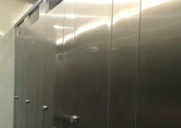 地铁不锈钢卫生间隔断