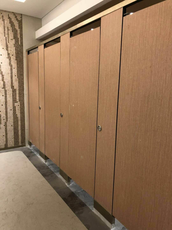 厕所成品隔断-抗倍特隔断